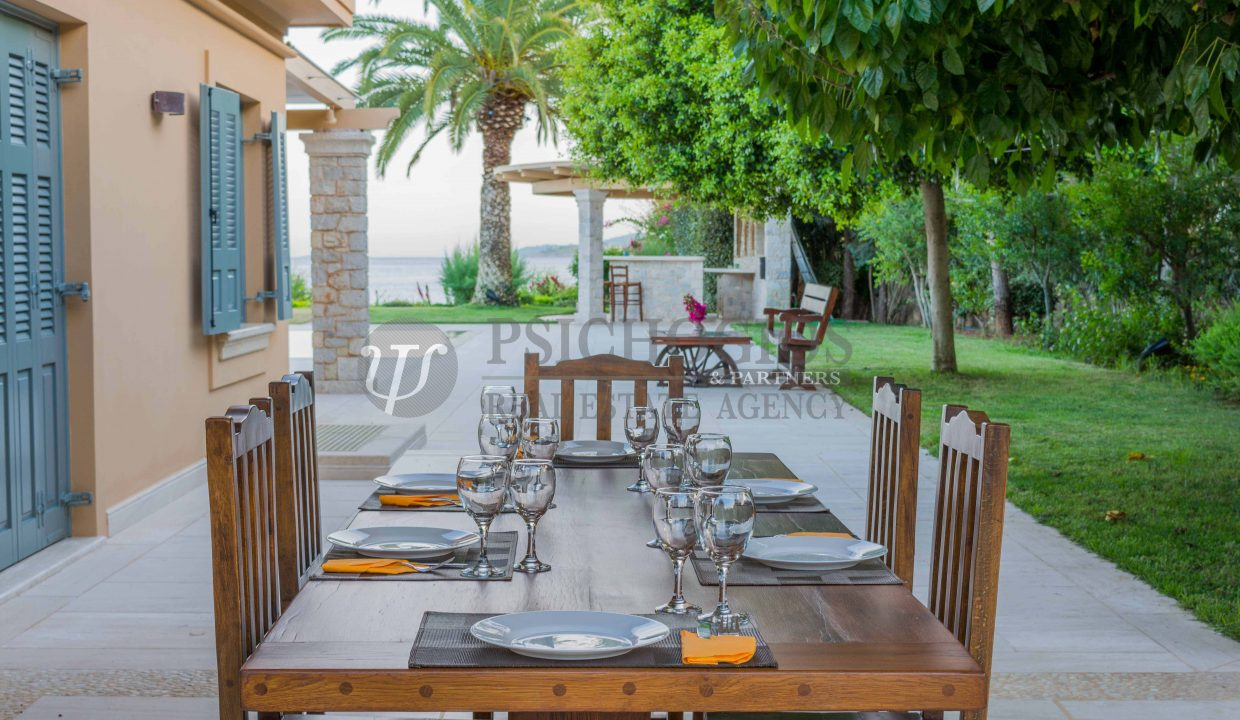 for_rent_villa_540_square_meters_swimming_pool_on_the_beach_Costa_Greece (19)
