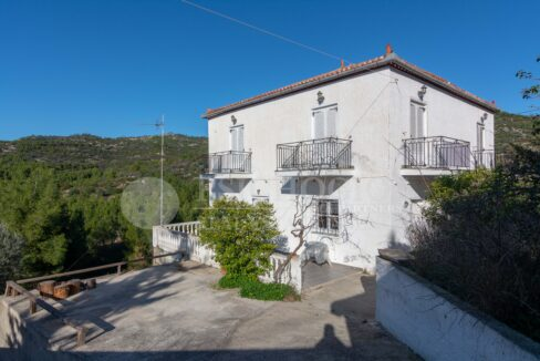 for_sale_house_200_sq.m._4_bedrooms_sea_view_spetses_greece 1 (17)