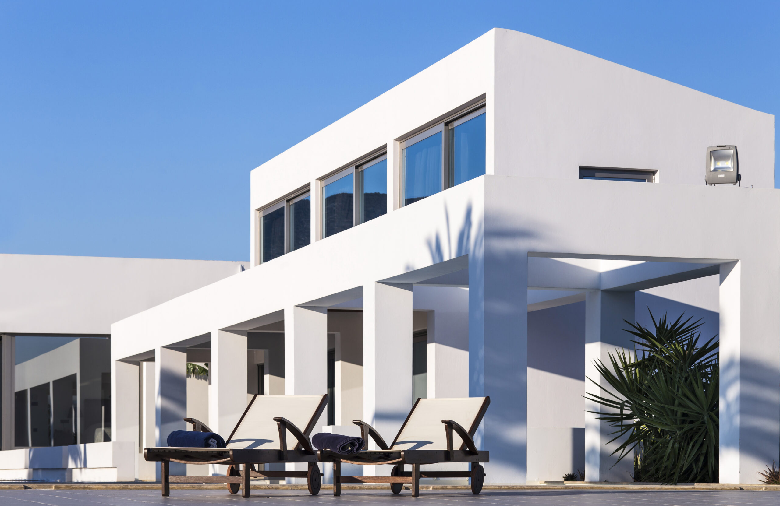Seafront Villa of 450 sq. meters
