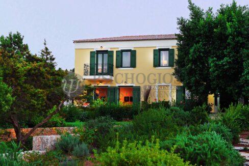 for_rent_villa_400_square_meters_8_bedrooms_amazing_sea_view_Koilada_Greece (13)