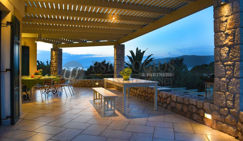 for_rent_villa_400_square_meters_8_bedrooms_amazing_sea_view_Koilada_Greece (18)