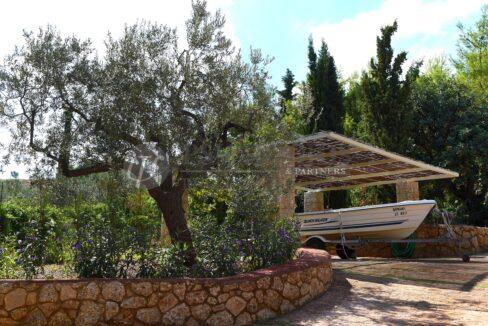for_rent_villa_400_square_meters_8_bedrooms_amazing_sea_view_Koilada_Greece (26)