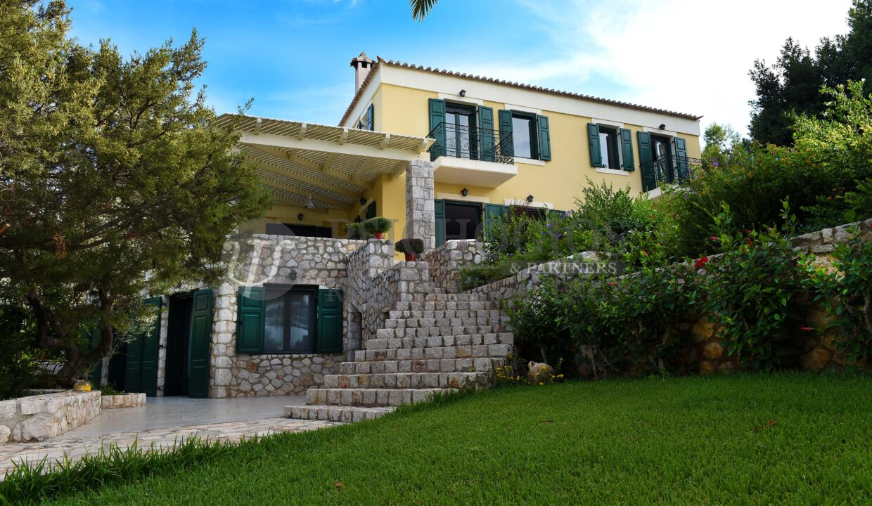 for_rent_villa_400_square_meters_8_bedrooms_amazing_sea_view_Koilada_Greece (34)