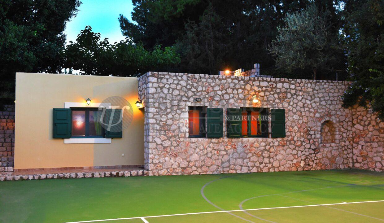 for_rent_villa_400_square_meters_8_bedrooms_amazing_sea_view_Koilada_Greece (35)
