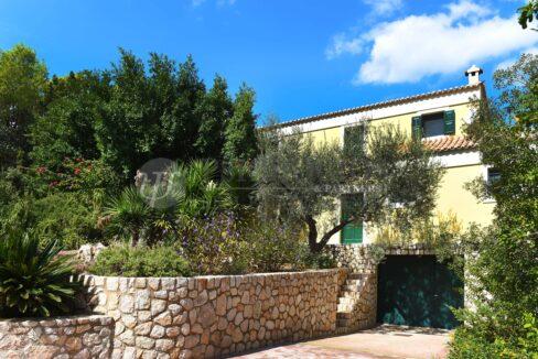 for_rent_villa_400_square_meters_8_bedrooms_amazing_sea_view_Koilada_Greece (6)