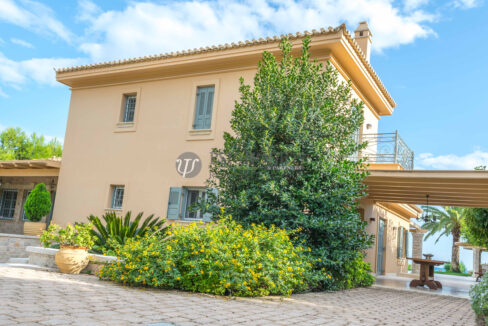 for_sale_villa_540sq.m_on_the_beach_pool (25)