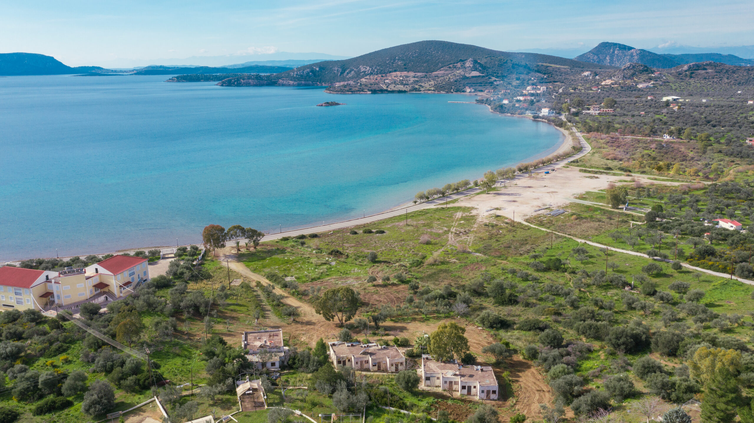 Seaside residential complex on a plot of 9.200 sq.m.