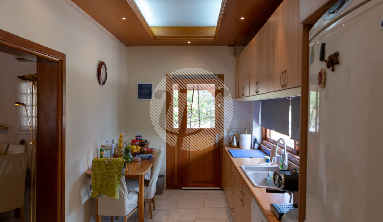 HOUSE OF 150 SQ.M (18)