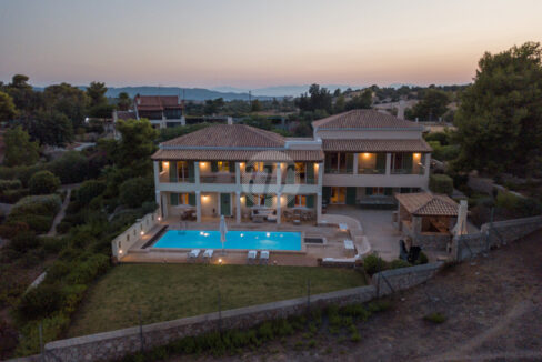 HOUSE OF 440 SQ.M (16)