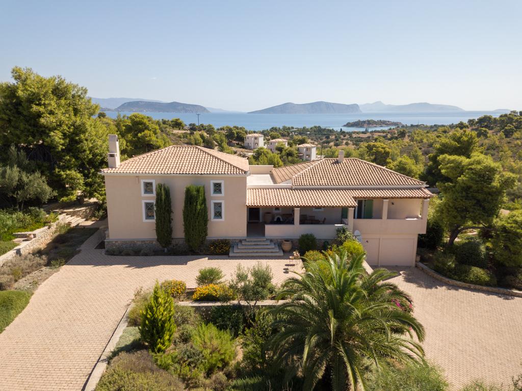 Villa of 440 sq.m.